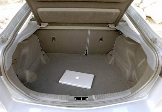 FORD Mondeo VI hatchback silver grey przestrzeń załadunkowa