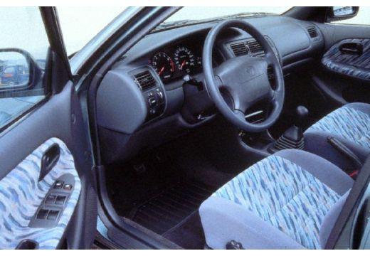 Toyota Corolla III hatchback tablica rozdzielcza