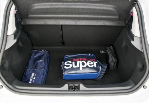 RENAULT Clio hatchback przestrzeń załadunkowa
