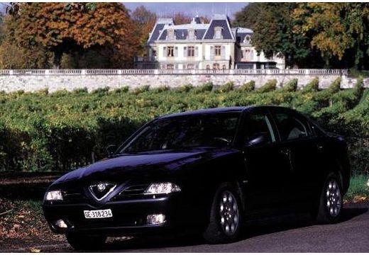 ALFA ROMEO 166 I sedan czarny przedni lewy