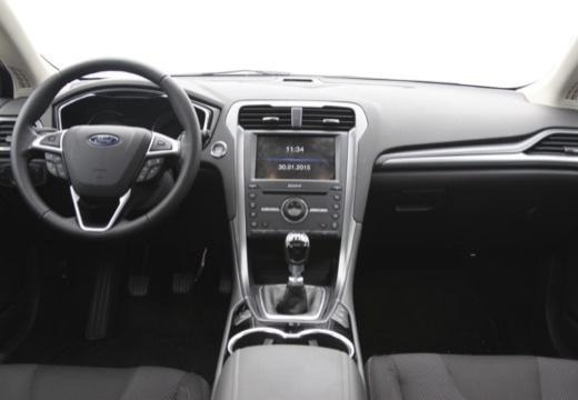 FORD Mondeo VIII hatchback tablica rozdzielcza