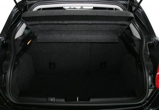 FIAT Bravo II hatchback czarny przestrzeń załadunkowa