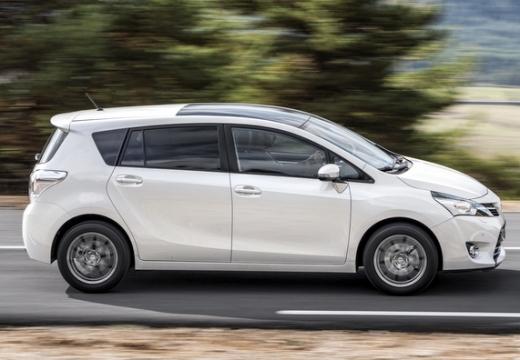 Toyota Verso II kombi mpv biały boczny prawy