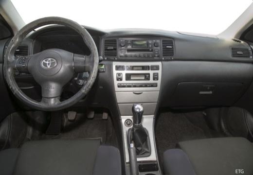 Toyota Corolla VI sedan czerwony jasny tablica rozdzielcza