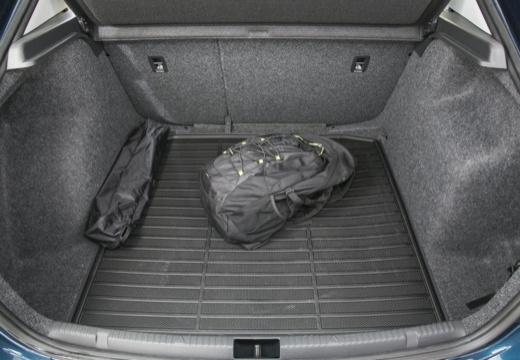 SKODA Rapid I hatchback przestrzeń załadunkowa