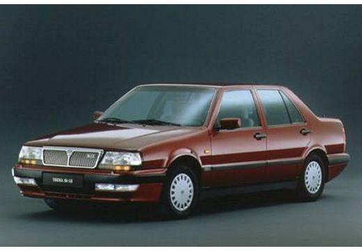 LANCIA Thema II sedan bordeaux (czerwony ciemny) przedni lewy