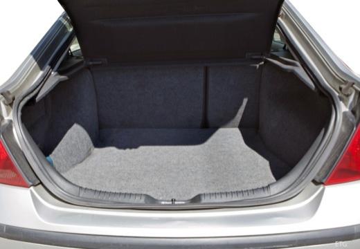 FORD Mondeo III hatchback przestrzeń załadunkowa