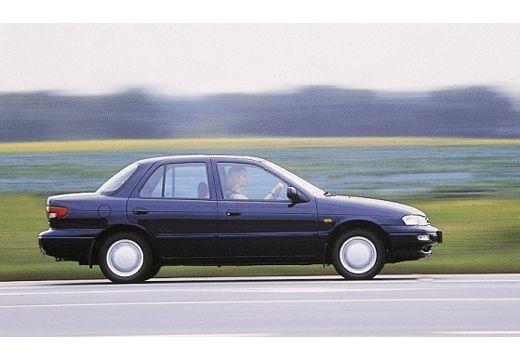 KIA Sephia sedan niebieski jasny boczny prawy