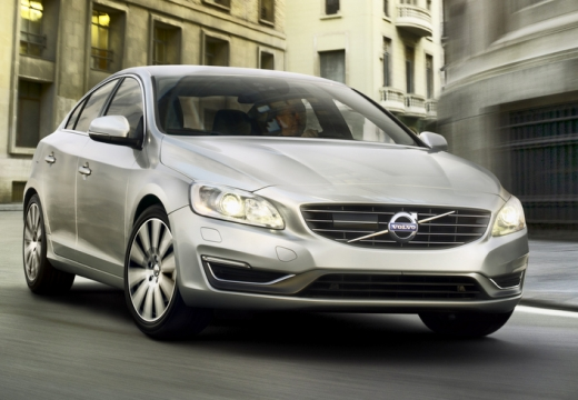 VOLVO S60 V sedan silver grey przedni prawy