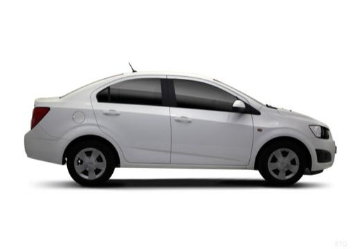 CHEVROLET Aveo III sedan biały boczny prawy