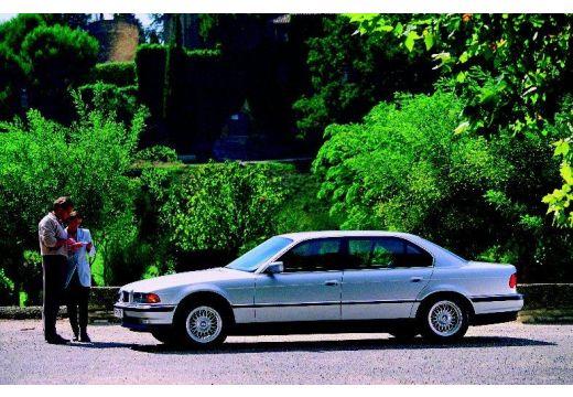 BMW Seria 7 sedan boczny lewy