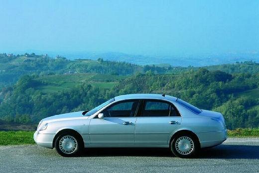 LANCIA Thesis sedan silver grey boczny lewy