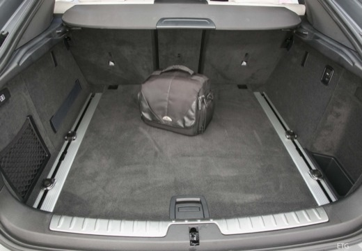 BMW X6 X 6 F16 hatchback przestrzeń załadunkowa