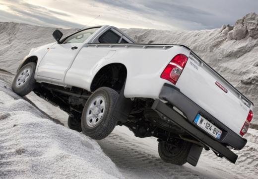 Toyota HiLux V pickup biały tylny lewy