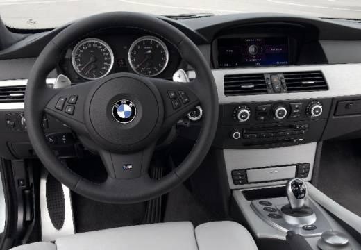 BMW Seria 5 Touring E61 II kombi silver grey tablica rozdzielcza