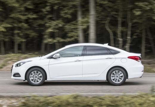 HYUNDAI i40 II sedan biały boczny lewy