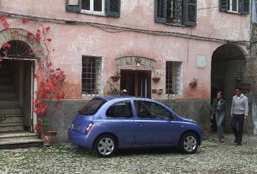 NISSAN Micra VI hatchback niebieski jasny tylny prawy
