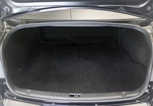 HYUNDAI Sonata VII sedan przestrzeń załadunkowa