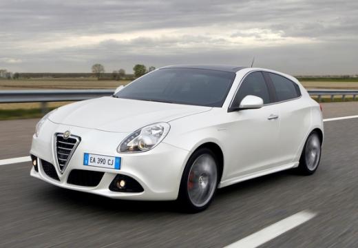 ALFA ROMEO Giulietta hatchback biały przedni lewy