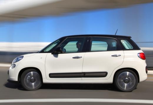 FIAT 500 L I hatchback biały boczny lewy