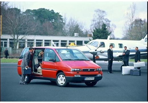 FIAT Ulysse II van czerwony jasny przedni prawy