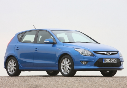 HYUNDAI i30 II hatchback niebieski jasny przedni prawy