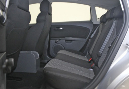 SEAT Leon III hatchback wnętrze