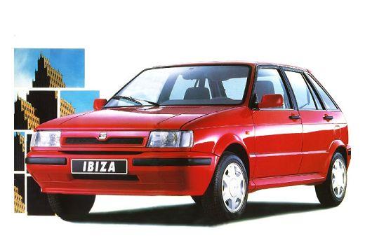 SEAT Ibiza hatchback czerwony jasny przedni lewy
