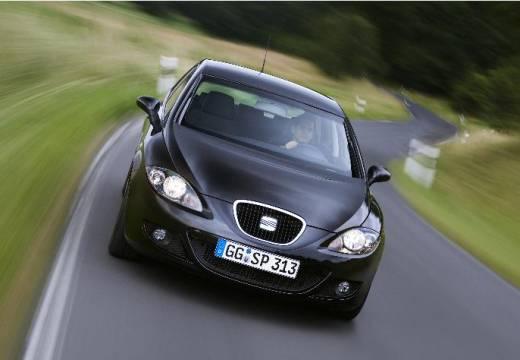 SEAT Leon II hatchback czarny przedni