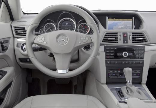 MERCEDES-BENZ Klasa E Cabrio A 207 I kabriolet tablica rozdzielcza