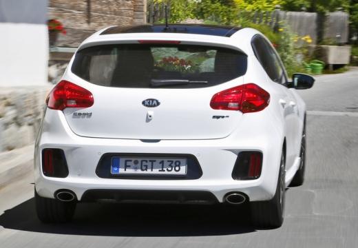 KIA Ceed III hatchback biały tylny prawy
