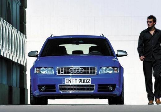 AUDI A4 Avant 8E I kombi niebieski jasny przedni