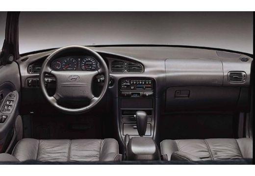 HYUNDAI Sonata III sedan tablica rozdzielcza