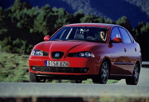 SEAT Cordoba III sedan czerwony jasny przedni lewy
