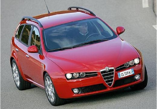 ALFA ROMEO 159 Sportwagon kombi czerwony jasny przedni prawy