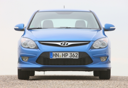 HYUNDAI i30 II hatchback niebieski jasny przedni
