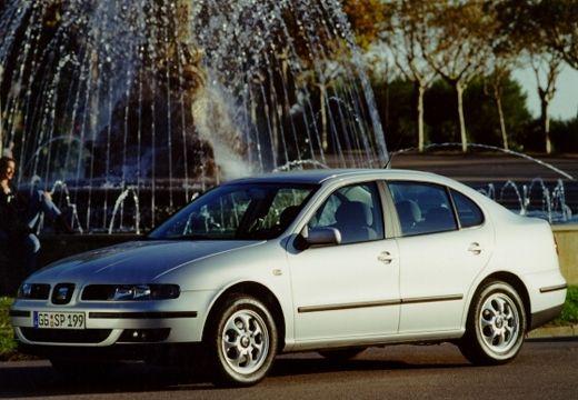 SEAT Toledo II sedan silver grey przedni lewy