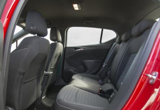 OPEL Astra V I hatchback czerwony jasny wnętrze