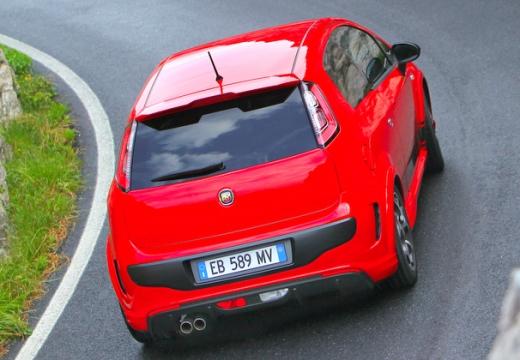 FIAT Punto Evo hatchback czerwony jasny tylny prawy