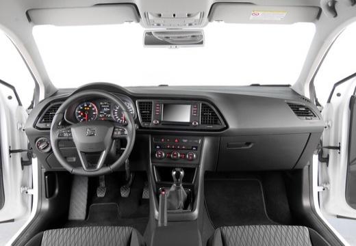 SEAT Leon ST I kombi biały tablica rozdzielcza