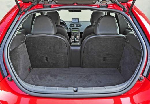 VOLVO C30 II hatchback przestrzeń załadunkowa