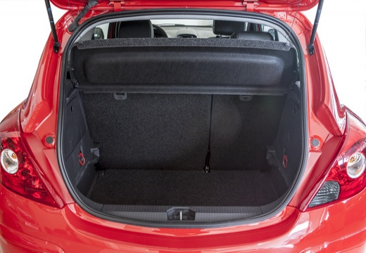 OPEL Corsa D II hatchback czerwony jasny przestrzeń załadunkowa