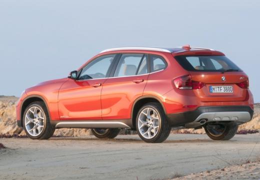 BMW X1, универсал, оранжевый задний левый