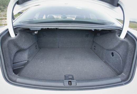 AUDI A3 Limousine I sedan przestrzeń załadunkowa