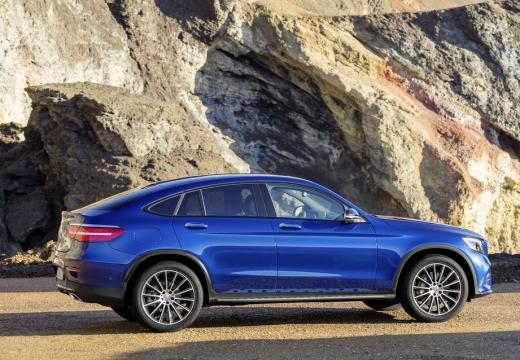 MERCEDES-BENZ Klasa GLC GLC Coupe C 253 I hatchback niebieski jasny boczny prawy