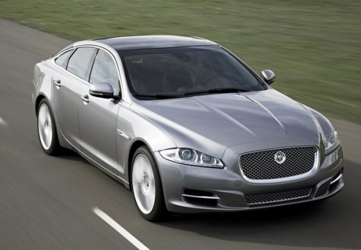 JAGUAR XJ VI sedan silver grey przedni prawy
