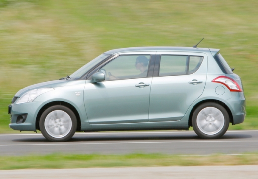 SUZUKI Swift II hatchback silver grey boczny lewy