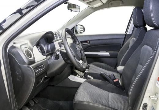 SUZUKI Vitara II hatchback biały wnętrze
