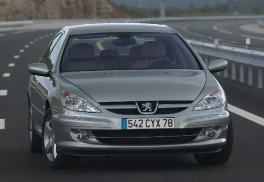 PEUGEOT 607 II sedan silver grey przedni prawy
