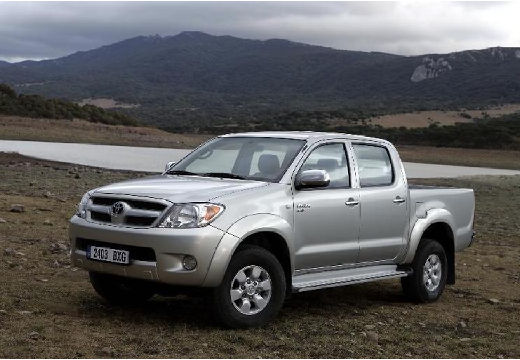 Toyota Hilux 2.5 D-4D DLX Pickup III 137KM (diesel)